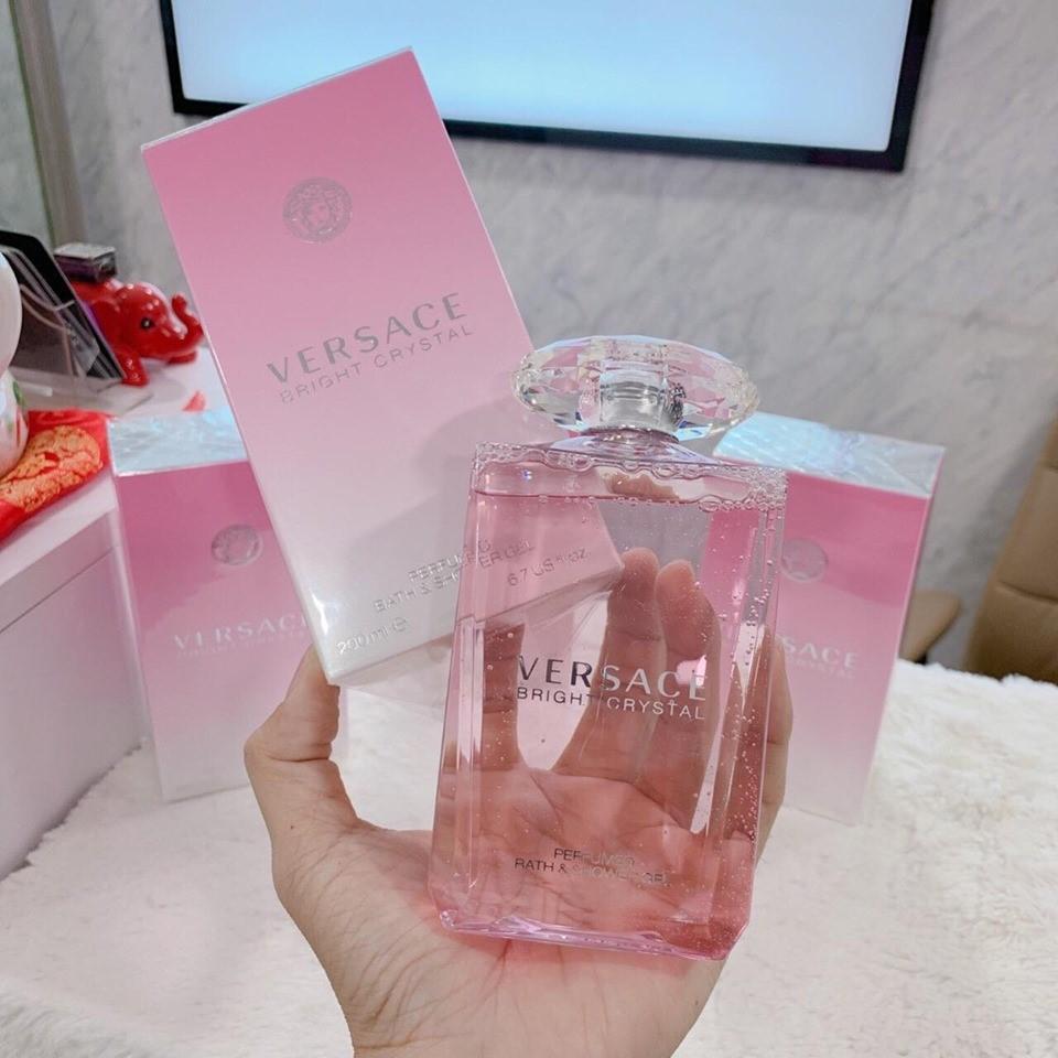 Sữa tắm gội Versace Bright Crystal